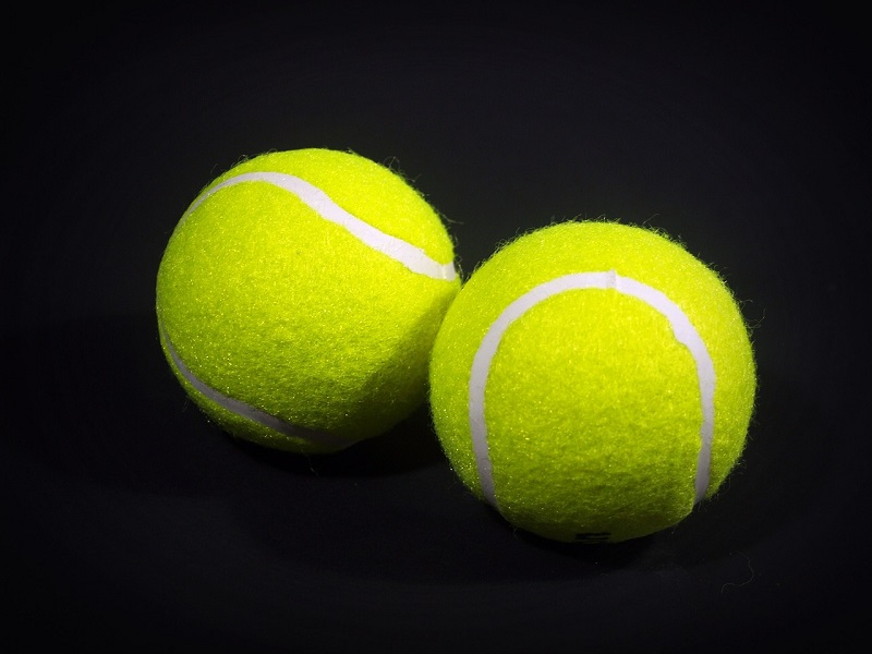 A Definitive Guide to The Best Tennis Balls for Every Level